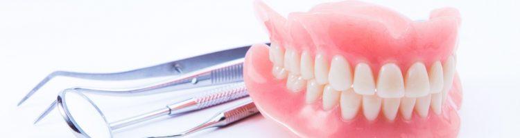 zalety protez zębowych